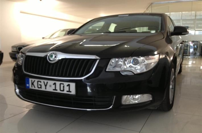 Skoda Superb (Automatic)