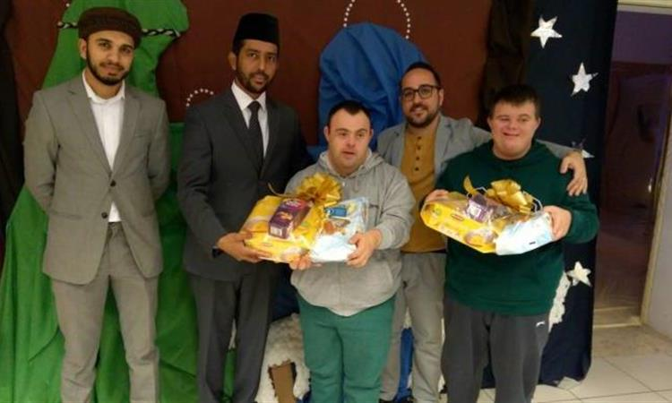 Ahmadiyya Muslim community presents gift hampers to Dar il-Kaptan