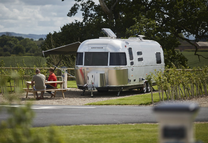 fully serviced caravan pitches