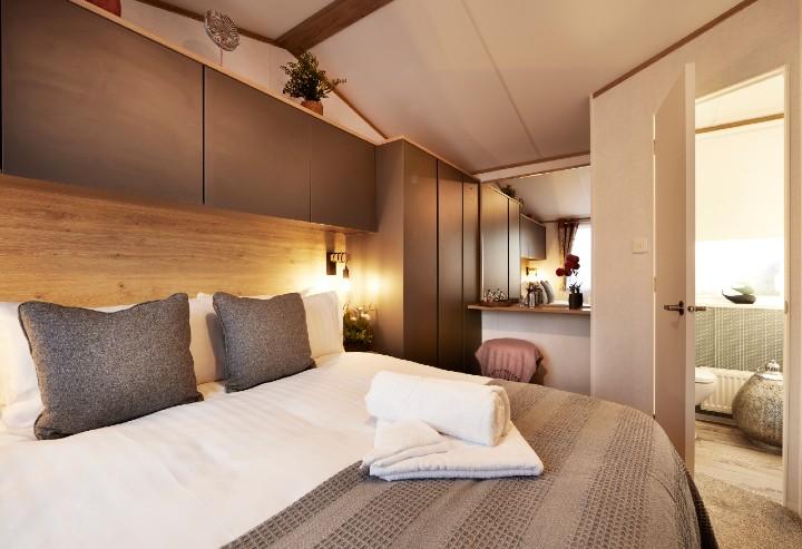 Luxury Lodge Breaks Bedroom